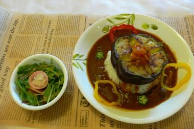 夏野菜カレー始まりました(^◇^)