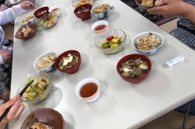 炊き込みご飯を作りました(*^_^*)